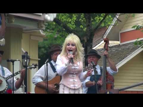 Dolly Parton - Will The Circle Be Unbroken - May 2010