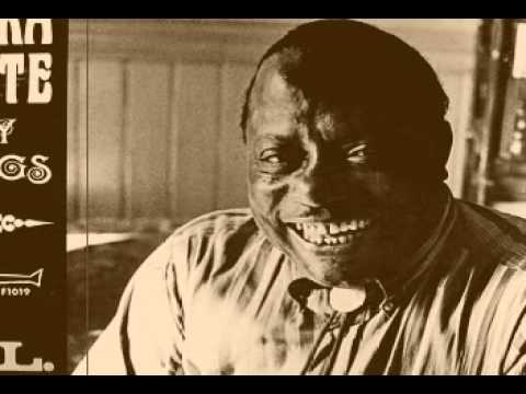 Bukka White - Jesus Died on the Cross