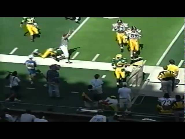 Oregon LB Paul Jensen blocks an extra point attempt by Iowa 9-24-1994