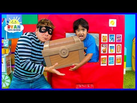Ryan Pretend Play with Box Fort Vending Machine Snacks Toys!!!