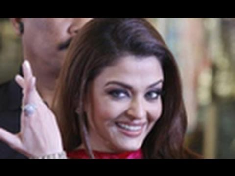 Top Five Striking Looks Of Aishwarya Rai Bachchan- Latest Bollywood News video