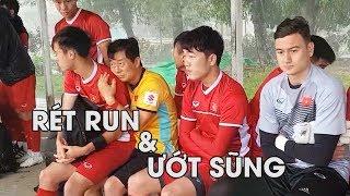 Đội tuyển Việt Nam rét run, ướt sũng trong buổi tập ở Myanmar