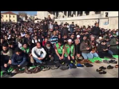 Fatih Camii'nde Cuma Namazının Ardından Kudüs Protestosu
