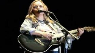 Watch Melissa Etheridge The Boy Feels Strange video
