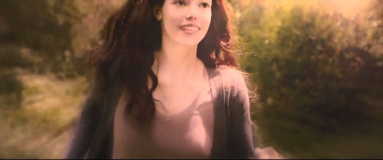 Jacob Black imprints on Renesmee Cullen - YouTube