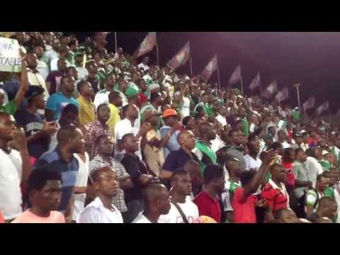 WATCHING THEM WATCH: NIGERIAN FOOTBALL FANS DOING THEIR THING AT U-17 WC
