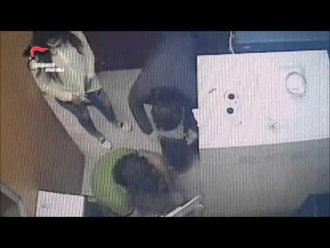 Il video della rapina alla banca Monte Paschi di Rio Saliceto