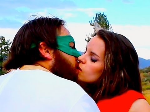 EPIC SUPER HERO KISS!