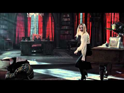 Dark Shadows – Trailer Italiano – Al cinema dall'11 maggio