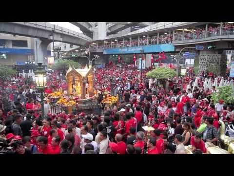 Red Shirts BATTLE for Bangkok AGAIN NOV 2010, ratchadamri, ratchaprasong