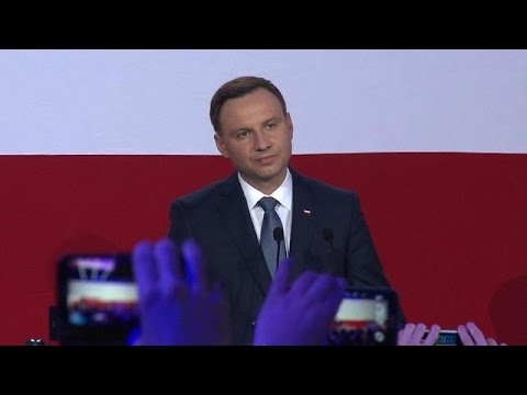 Keep up-to-date with the latest news, subscribe here: http://bit.ly/AFP-subscribe  Conservative opposition challenger Andrzej Duda wins a surprise victory in Poland\'s presidential run-off, trumping incumbent centrist Bronislaw Komorowski.  Follow AFP English on Facebook: