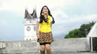 "Ratu Sikumbang Album Remix Dahsyat ""Kasiah Habih Sayang Tak Hilang"""