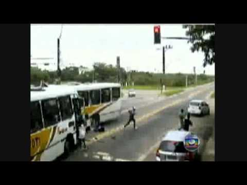 BUS CRASH INCREDIBLE - RIO-BRAZIL