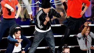 "Pharrell Video - Pharrell Performs ""Happy"" at Oscars 2014 Dances with Lupita Nyong'o and Jamie Foxx!"