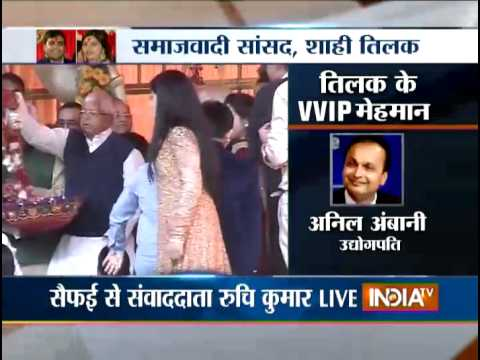 PM Modi Attends the Tilak Ceremony of Mulayam's Grandson - India TV