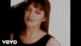 Watch Basia Drunk On Love video