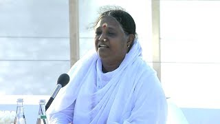 Mata Amritanandamayi Devi at Abu Dhabi 2018 (Interfaith Alliance on Child Safety Online)