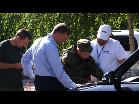 Fighting around Donetsk impairs MH17 crash investigation