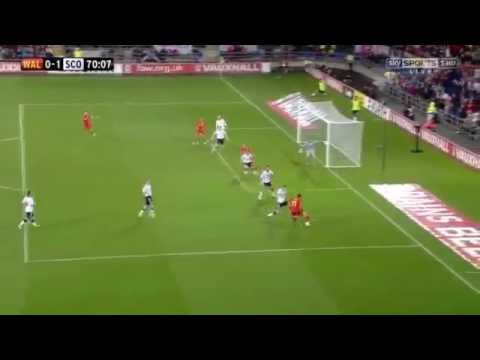 gareth bale goals and skills 2012-2013 part 1 Tommy Lee - Buss A Blank