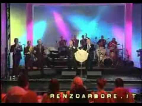 Renzo Arbore - Meno Siamo Meglio Stiamo