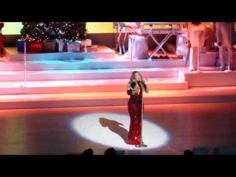 Mariah Carey Kicks Off Christmas Extravaganza in NYC
