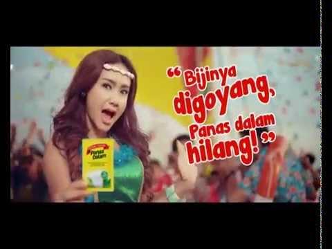 """Bintang Toedjoe Panas Dalam TVC - """"Goyang Dumang"""" By Fortune Indonesia Advertising Agency"""