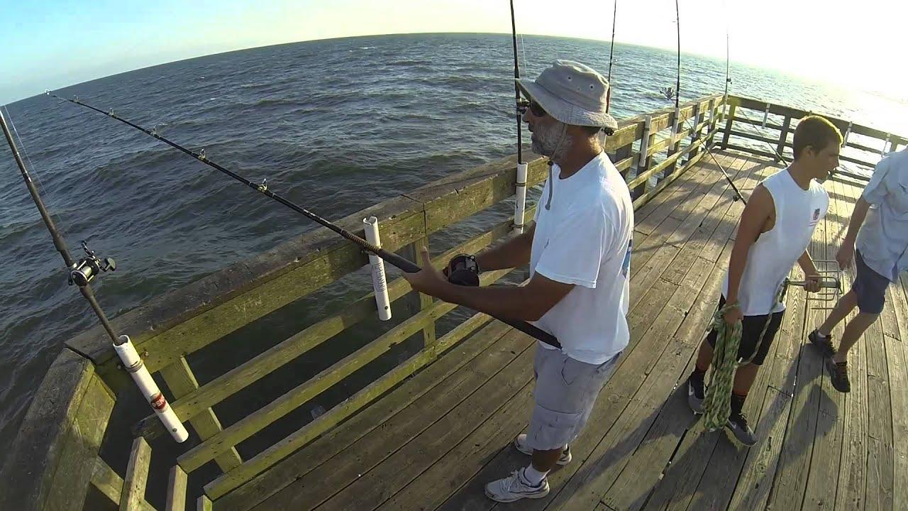 Tim chavez 22 3 lb king mackerel seaview fishing pier oct for Mt pleasant fishing pier