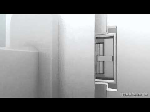 Brede deur met kozijn