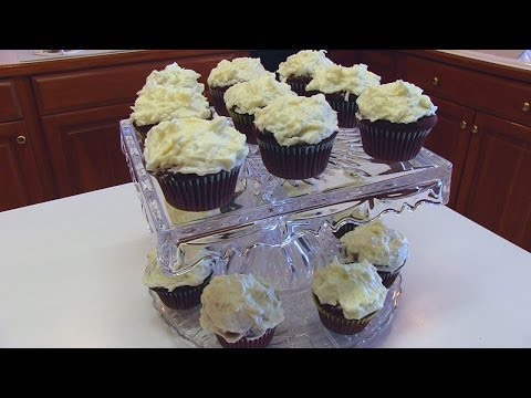 Coconut Cream Cheese Frosting for Red Velvet Cupcakes