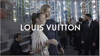 Karlie Kloss & Emma Chamberlain for the Louis Vuitton Fall-Winter 2019 Fashion Show