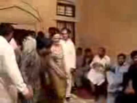 Pakistani Girls Full Hot Wedding Mujra Private Mp4 Mpeg4 Aac video