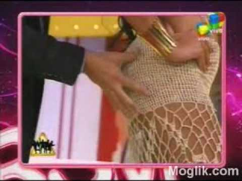 Pamela Sosa mostrando el culo en la tv