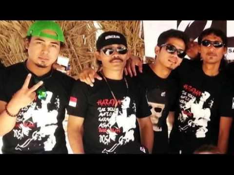 download lagu Iwan Fals - Berandal Malam Di Bangku Terminal Oi Fals Mania Ksa gratis