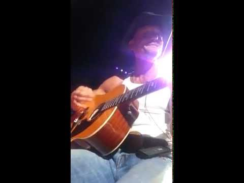 Tim McGraw, Phoenix AZ, May 16, 2014, You are so beautiful acoustic