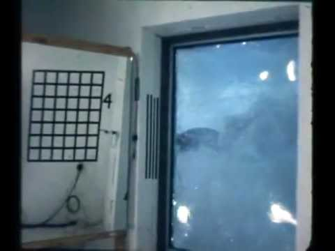 Blast test on window film.flv