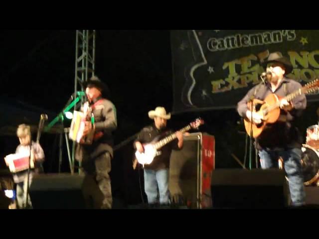 David & Joe Farias live @ Tejano Explosion 2011-Mi Tesoro/Mil Noches-San Antonio, TX
