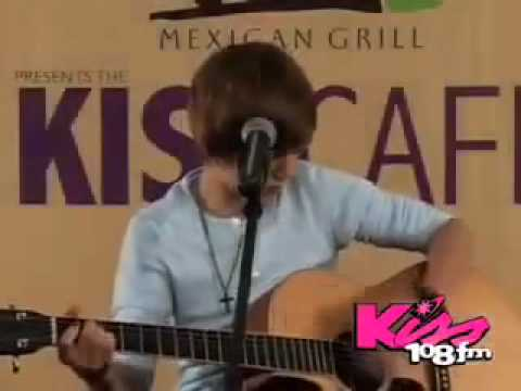 Justin Bieber-favorite Girl (acoustic live) Kiss Fm video