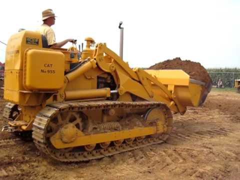 Bill Glenn's 1955 Caterpillar Traxcavator at Rough & Tumble August 17th 2010