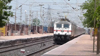2 in1 ! SPEEDING Bangalore Rajdhanis express meet ! Overtakes Telangana Express