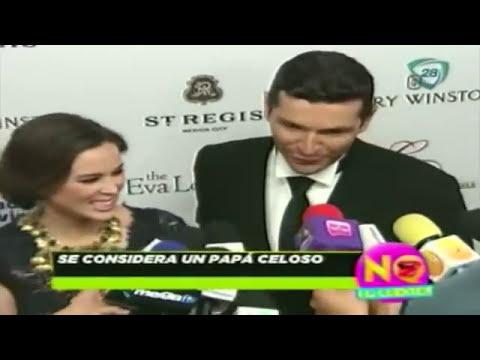 Jacqueline Bracamontes y Martin Fuentes felices por el próximo nacimiento de su hijo