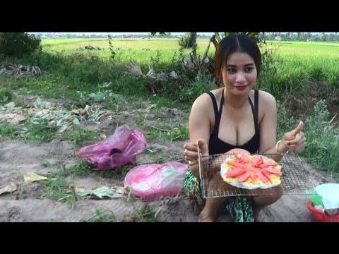 Wow! Beautiful Girl Cooking Food at farmer field fresh air Village Food in my country