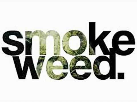 Snoop Dogg  ft. Dr. Dre- Smoke Weed Everyday.