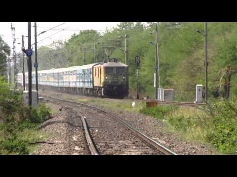 Duronto Wap-7 Sant Kabir Dham Express Burns Misrod Outer At 110kmph! video