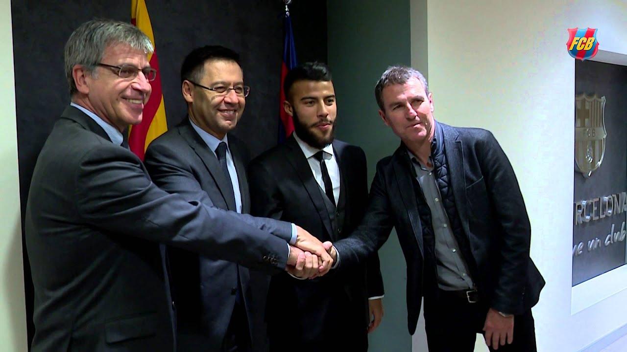 """Rafinha firma la renovació fins al 2020: """"El FC Barcelona es mi casa"""""""