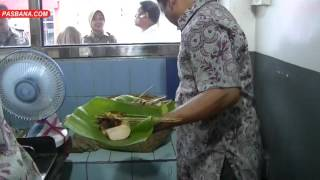 Download video JUSUF KALLA MAKAN SATE SYUKUR PADANG PANJANG