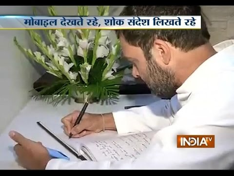 Copy-Cat Rahul Gandhi caught copying condolence note