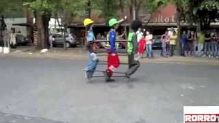 Urban Dancing in the Streets of Mexico / Baile Urbano en las Calles de Mexico