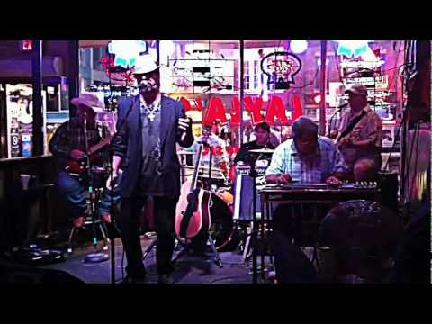 Satin Sheets - Ronnie Lutrick at Layla's Bluegrass Inn in Nashville, TN