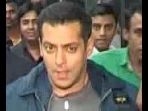 Salman Khan will celebrate Diwali with his family, Sonu Sood walks out of Dabangg 2, & more hot news