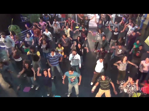 FLASH Mob at City Center, Hyderabad by BITS Pilani Hyderabad students | Pearl 2012